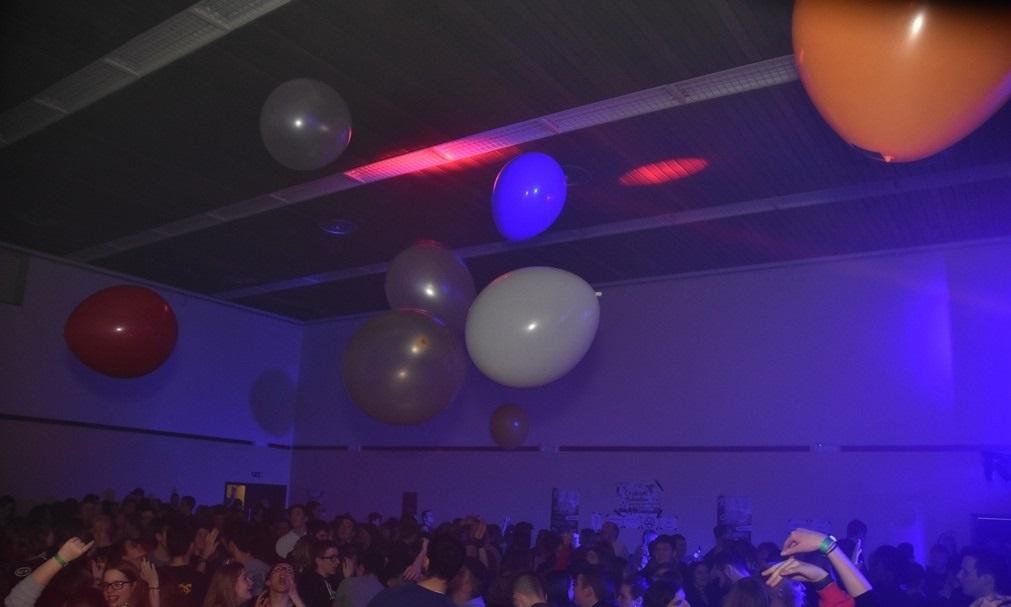 soirée rhétos izel 2020 inside club